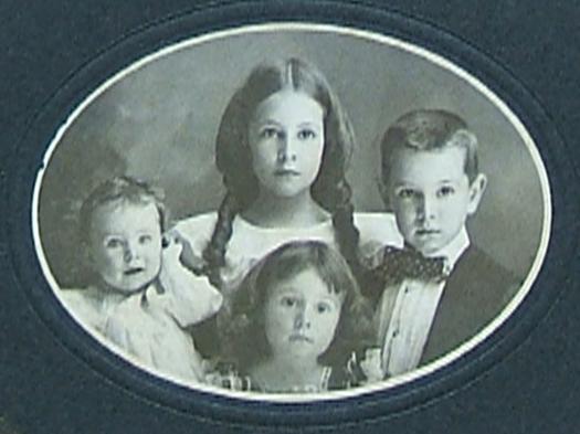 1890 photo of four children