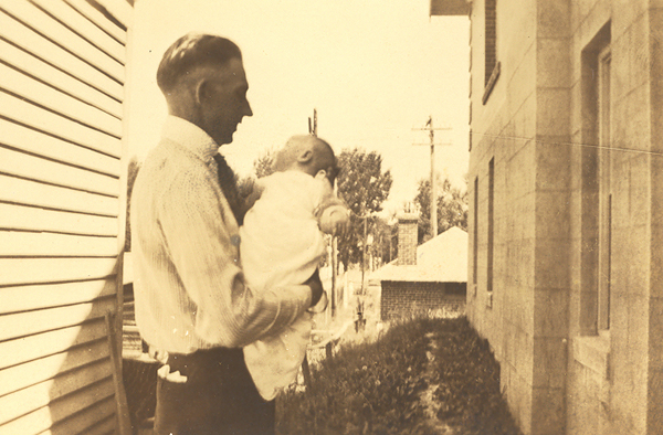 Jim and baby Jeannette Alexander in about 1923