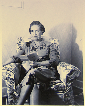 Beulah Mitchell at Roberta and Jimmie's apartment in Austin