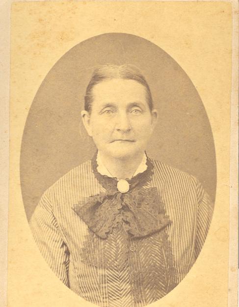 Lucinda (called Lucy) Moore Garrett b. 1823 d. 1890