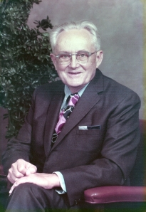 1970's photo of man in 'wild' tie
